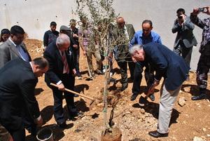 القنصل الأمريكي العام يحتفل بيوم البيئة في سلفيت